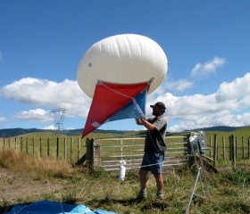 NIWA attaching radiosonde in New Zealand